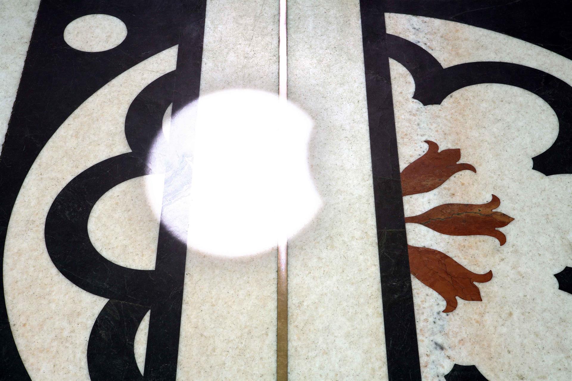 Meridiana - eclissi