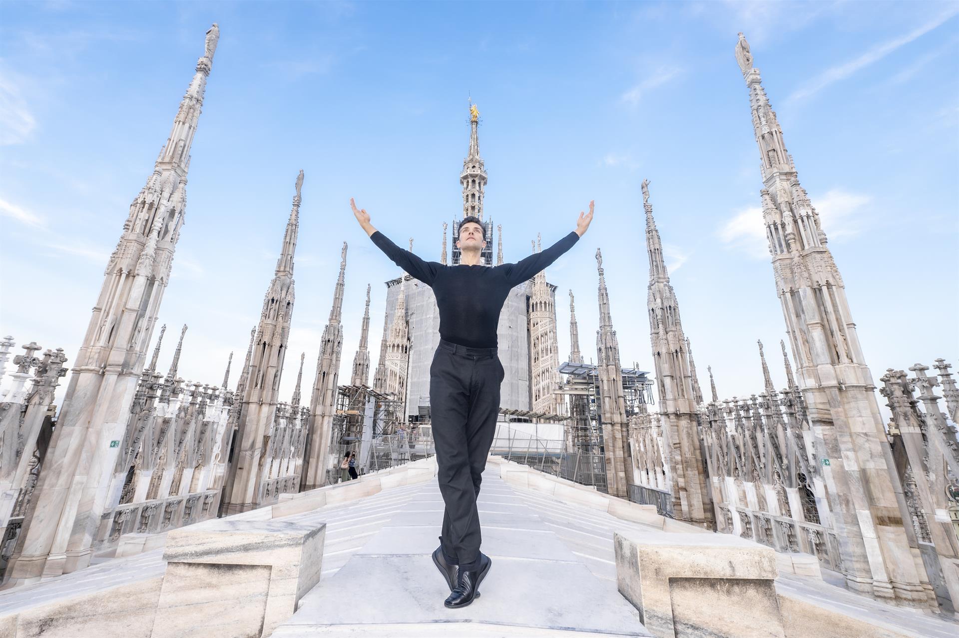 Roberto Bolle Sulle Terrazze Del Duomo 1 © Francesco Prandoni