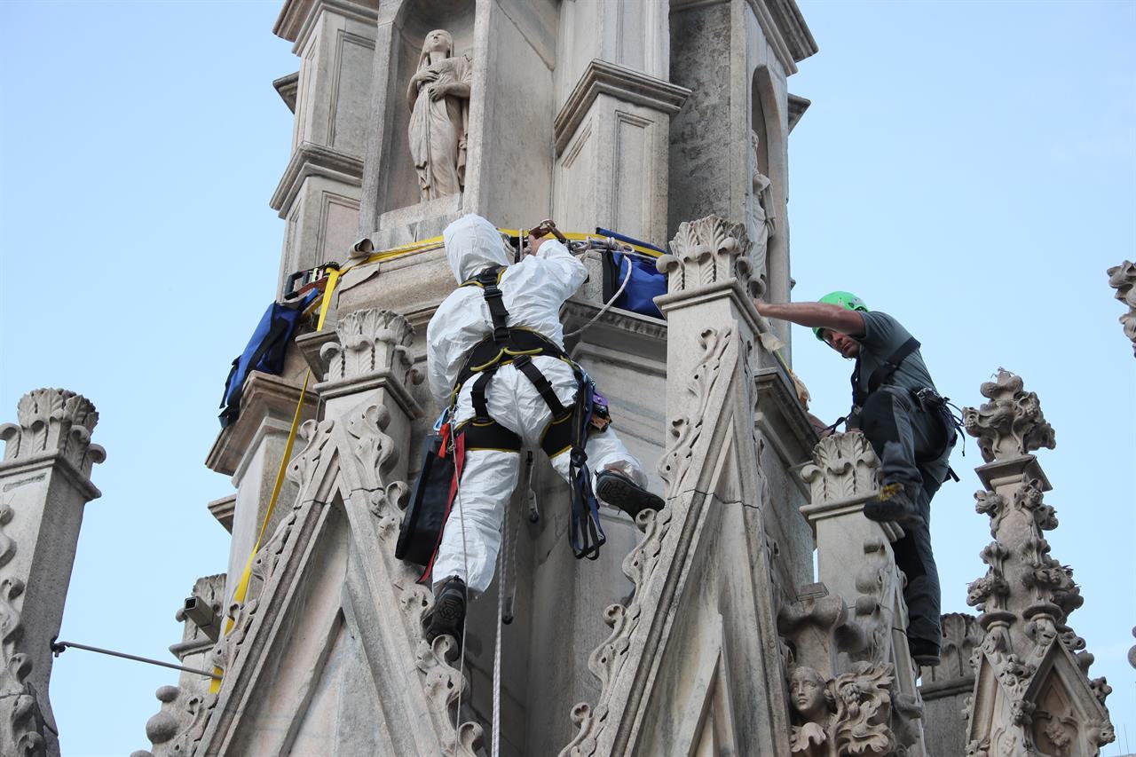 Pulizia Duomo9