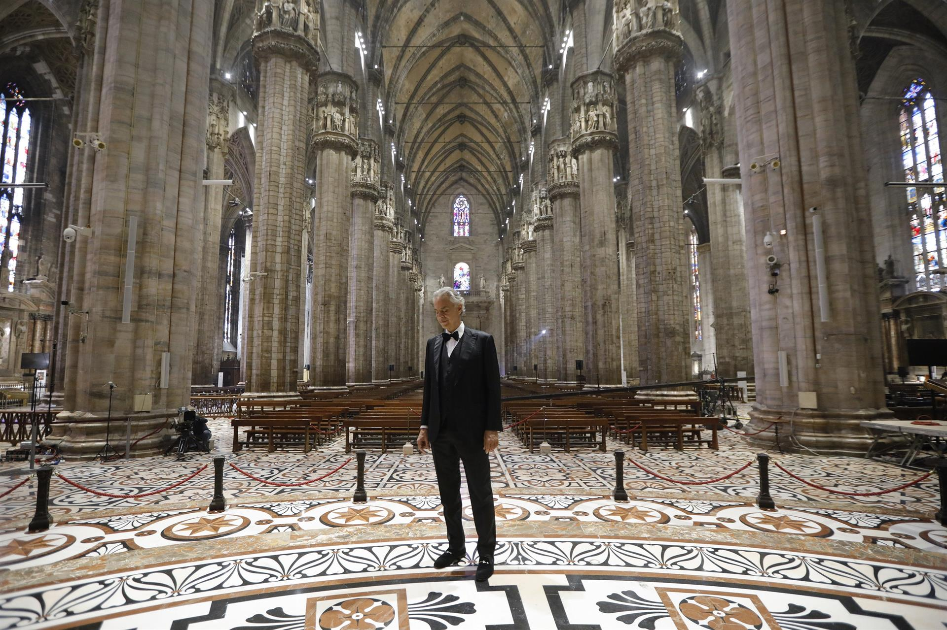 Bocelli Duomo 1 Credit LUCA ROSSETTI, COURTESY SUGAR SRL, DECCA RECORDS
