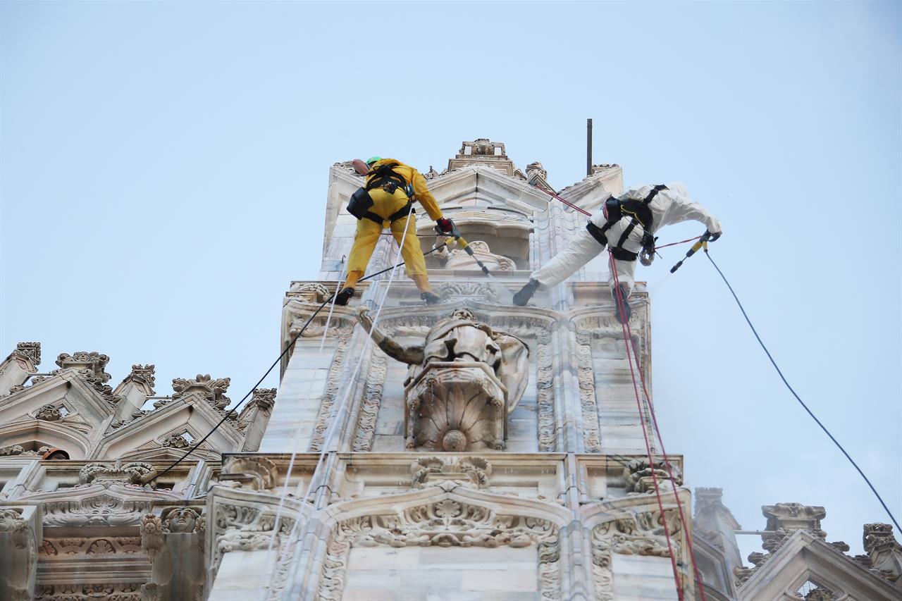 Pulizia Duomo4