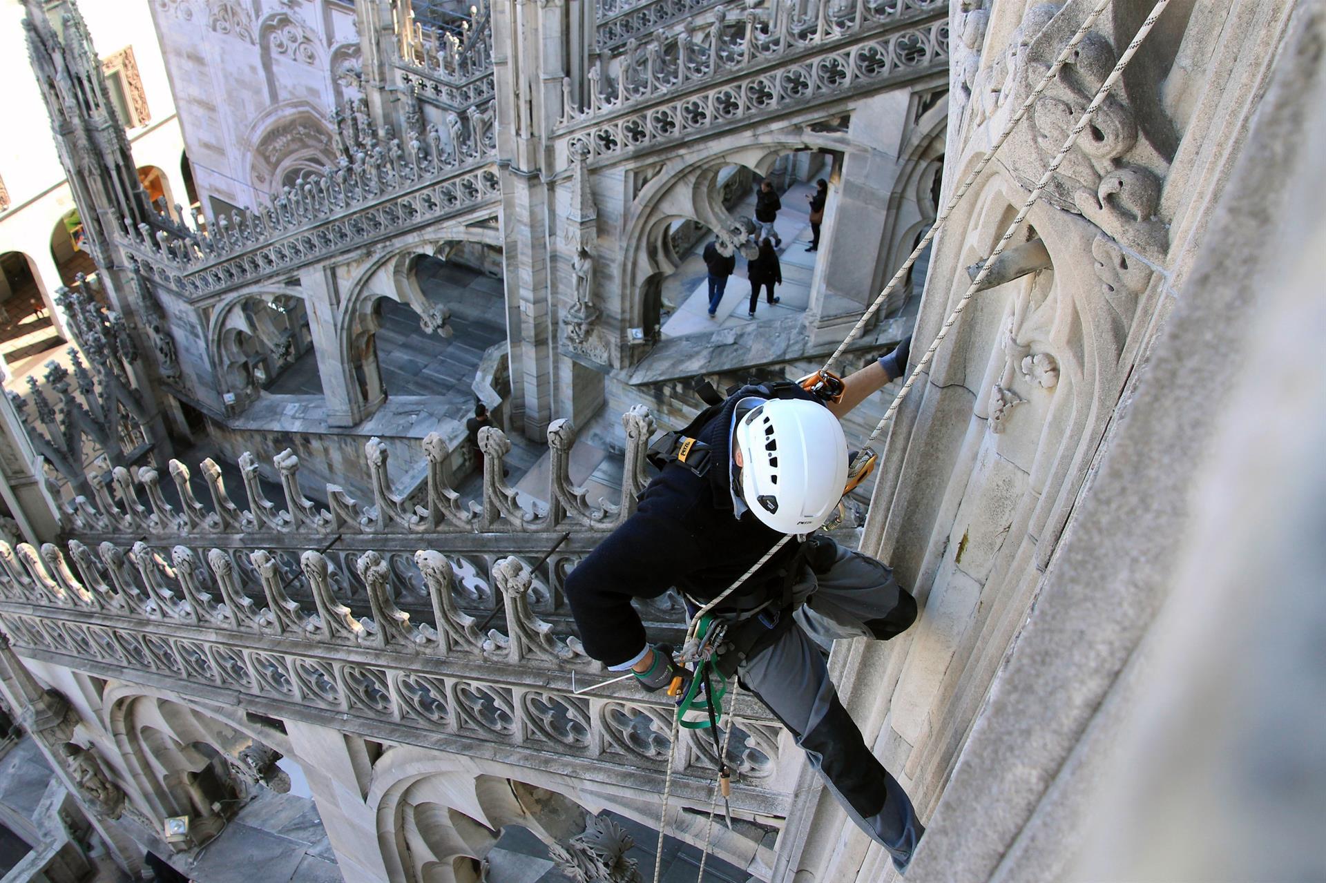 Cantiere Duomo - rocciatori