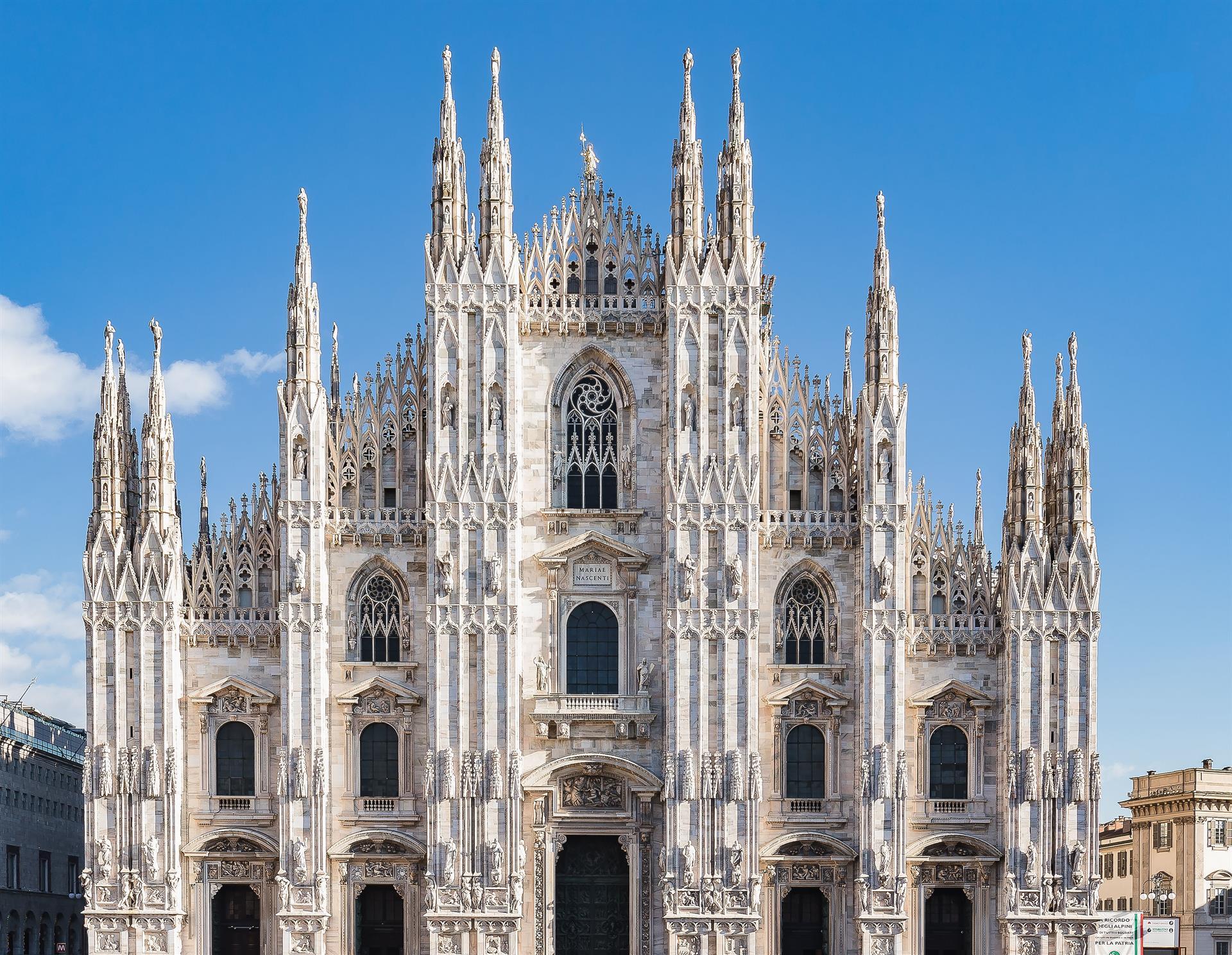 FS 2018 Dec7 Duomo Extfacade 04