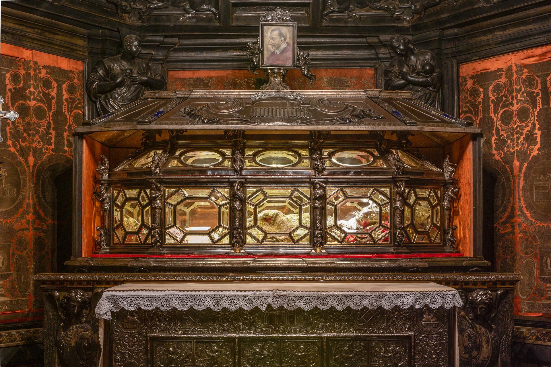 FS 2018 Duomo Views Tomb 02