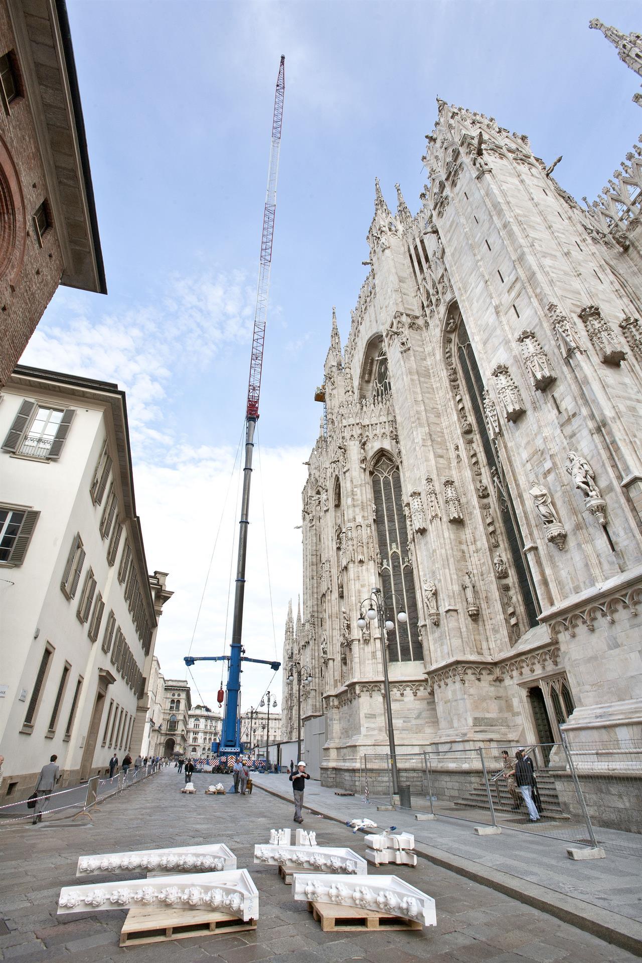 Cantiere Duomo - Maxi Gru