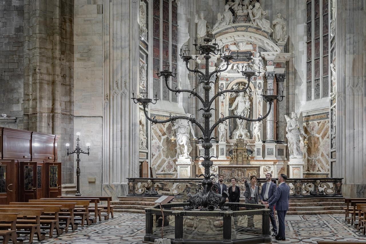 2018 FS Duomo Candelabra Fix 02
